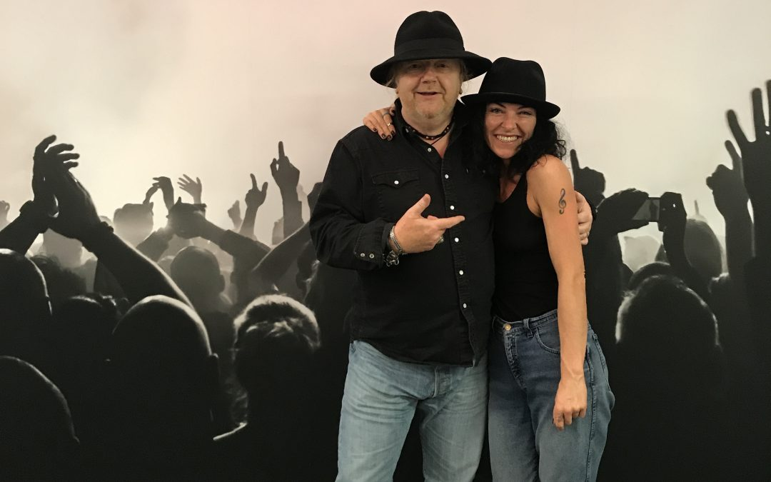 Alan Meets Jessica The Goth!